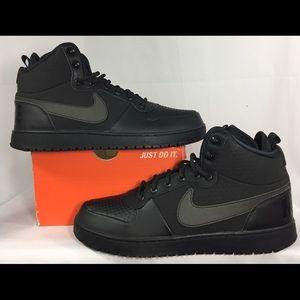 Nike Court Mid Borough